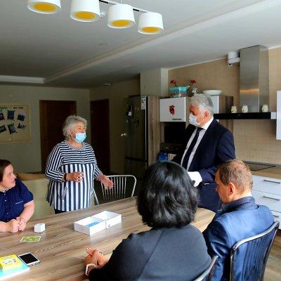 Олег Эргашев посетил Дом сопровождаемого проживания «Охта на речке»