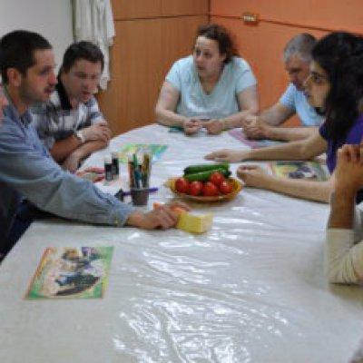 В группе дневного пребывания ГАООРДИ прошло занятие, посвященное здоровому питанию, выбору свежих овощей и фруктов!